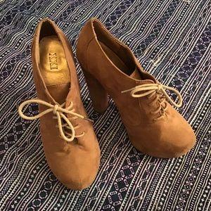 Forever XXI chunky, tan heel. Size 6.